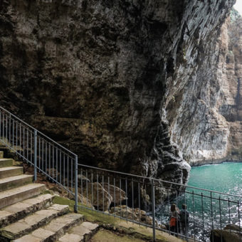 Montagna Spaccata e Grotta del Turco